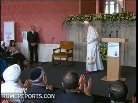 Speaking before Muslims and Hindus, Pope asks for right to change religion to be respected