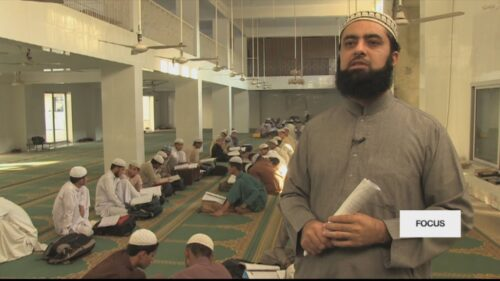 Pakistan: Islamists angry at new law against forced conversions