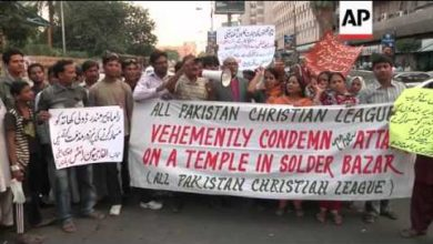 Pakistani Hindus protest against demolition of Hindu Temple