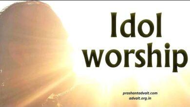 How does Hinduism justify idol worship when many religions forbid it? || Acharya Prashant